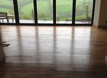 Wood and laminate floors